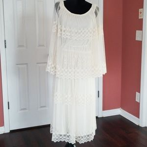 Dresses & Skirts - Vintage off white lace  dress